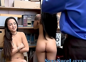 Thieving teen in threeway