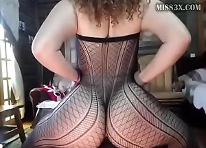 best webcam show huge ass girl counterfeit her pussy and squirting