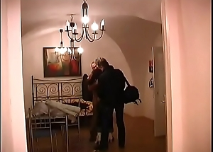 Two studs get blowjobs from mature MILF in hotel bailiwick