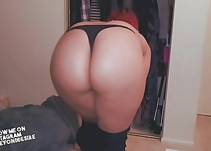 She pulls tight thong to the side for some dicking