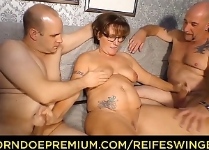 REIFE SWINGER - Chubby German granny sucks and fucks two cocks in naughty triune