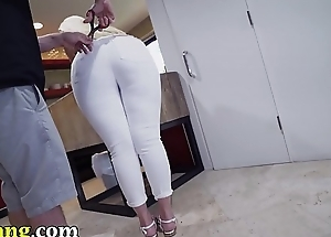 TRYBANG.COM - Big Ass Maid Alexis Andrews Cleans and Fucks Tony Rubino