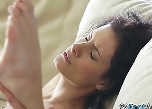 Babe gives hot footjob