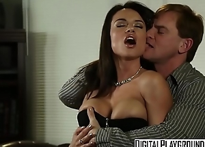 Dirty assistant (Franceska Jaimes) fucks her boss on his desk - Digital Playground