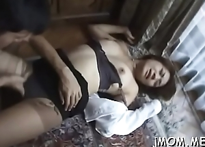 Stunning mature gets on her knees and gives sexy blowjob