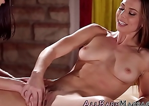 Hairy pussy masseuse les
